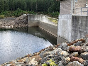 As of Oct 22, the Sooke reservoir had a water level of 182.16m (65.7% full). Click to visit the CRD photos.