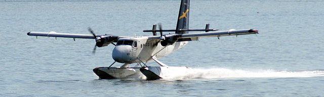 By Tony Hisgett from Birmingham, UK - Twin Otter, CC BY 2.0, https://commons.wikimedia.org/w/index.php?curid=6079475