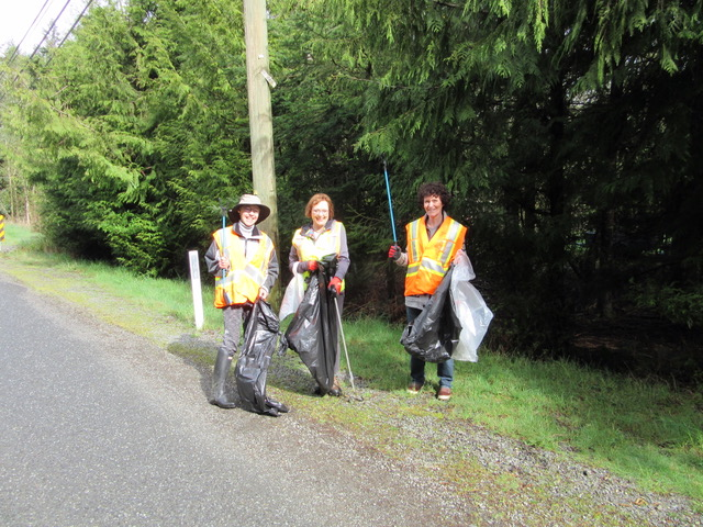 Kara Middleton, Petra Sielopp and Ute Schnarr of E Sooke